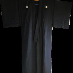 Antique kimono japonais samourai Maru Ni Umebachi Montsuki soie noire homme