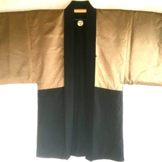 antique_veste_kimono_haori_soie_noire_mitsu_tomoe_take_koi_nobori_6