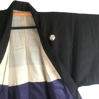 antique_kimono_japonais_samourai_soie_noire_katabami_montsuki_homme_1