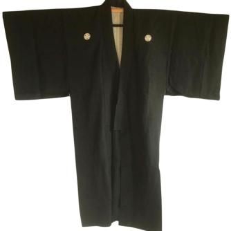 antique_kimono_japonais_samourai_soie_noire_katabami_montsuki_homme_2