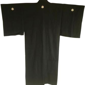 antique_kimono_japonais_samourai_soie_noire_katabami_montsuki_homme_3