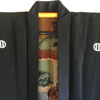 antique_veste_kimono_haori_samourai_soie_noire_montsuki_jinja_no_o_bashi_homme_detail-4